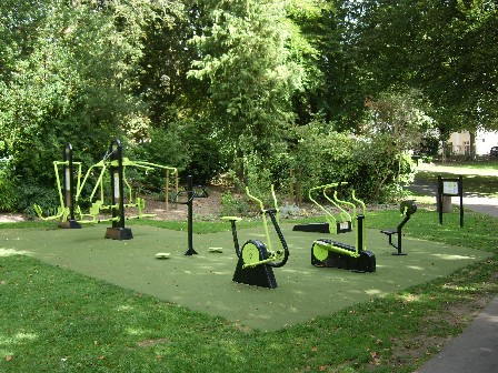 Gym equipment in the Borough Gardens