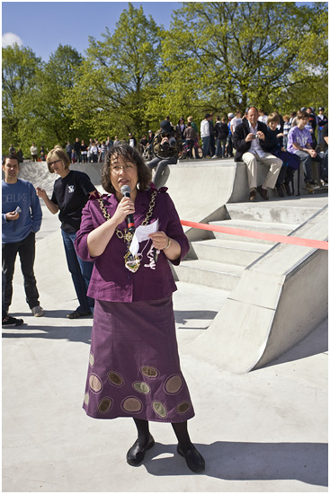 The Mayor opening the skatepark